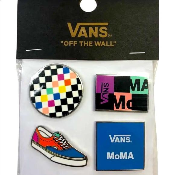 VANS x MoMA PIN SET